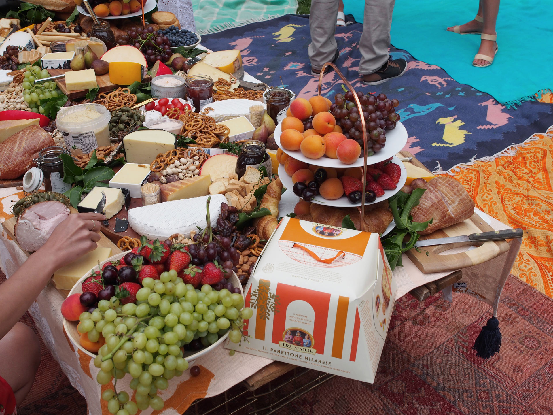 Studio Mimi Moon-Mimosa-Brunch-Grazing-table-styling