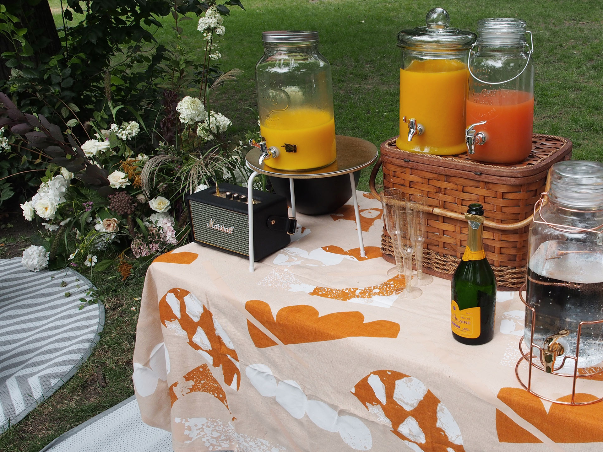 Studio Mimi Moon-Mimosa-Brunch-Grazing-table-styling
